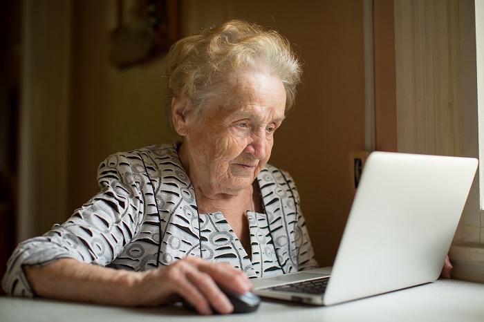 Oude vrouw online