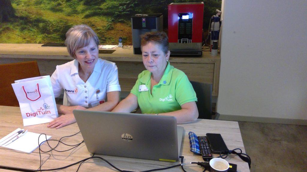Medewerkers van Nefrologie/dermatologie maken kennis met Webcamconsult in de Digituin van het Bravis Ziekenhuis